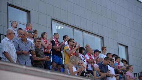 Газон, нормативы, детские команды. Как используются арены «Чайка» и «Локомотив» в Воронеже