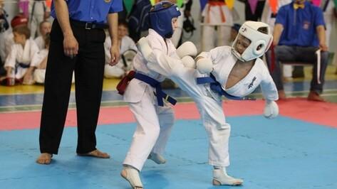 Каменские спортсмены успешно выступили на первенстве Воронежской области по стилевому каратэ