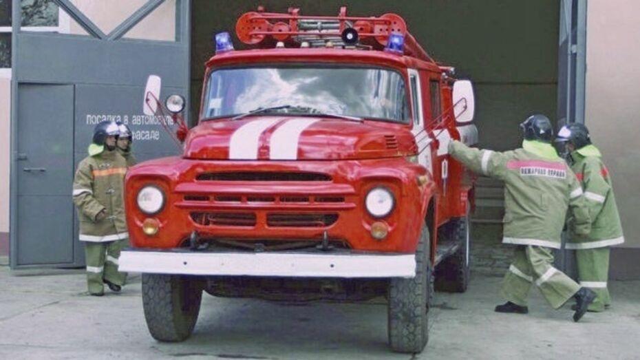 В Богучарском районе вместе с домом сгорели два человека