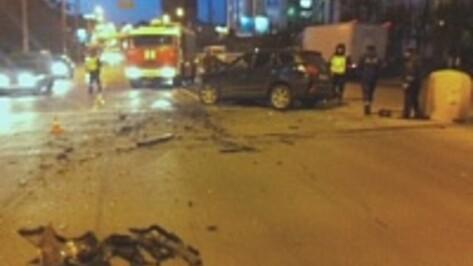 В воронежский микроавтобус с пассажирами врезался Hyundai