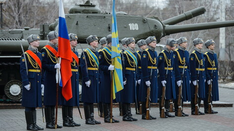Память защитников города в годы Великой Отечественной войны почтили в Воронеже