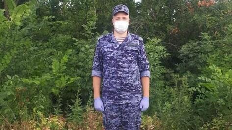 Сотрудник Росгвардии помог пострадавшим в ДТП в Воронежской области