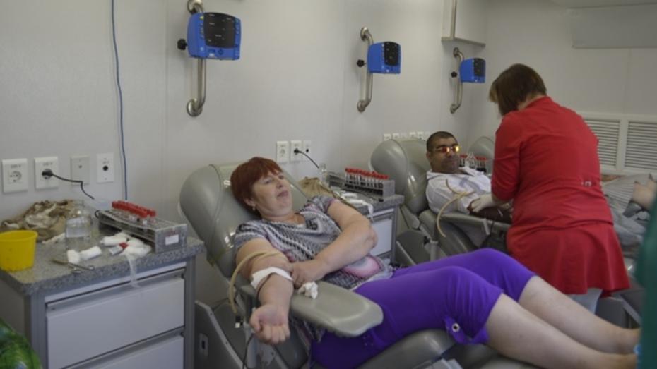 90 терновцев сдали кровь на передвижной станции переливания крови