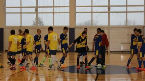 Хохольские школьники взяли бронзу в областных соревнованиях по мини-футболу