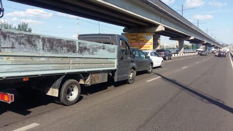 Столкновение 5 автомобилей спровоцировало в Воронеже 9-балльные пробки