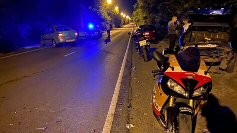 В Воронеже пьяный водитель спровоцировал аварию с 3 пешеходами