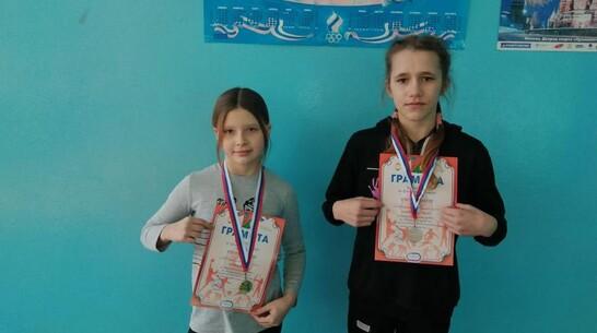 Эртильские спортсменки взяли «золото» и «серебро» первенства Белгородской области по борьбе
