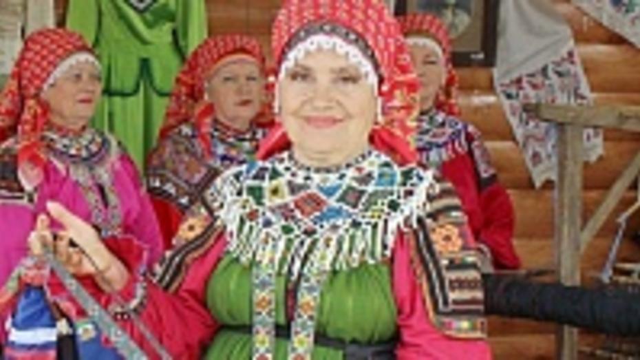 Таловчанка Валентина Захарова стала Народным мастером Воронежской области