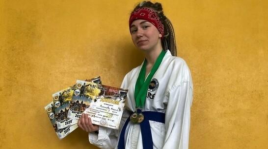 Хохольская спортсменка завоевала 3 «бронзы» чемпионата области по тхэквондо