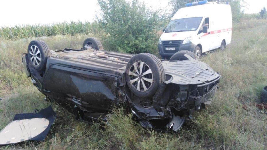 Мужчина скончался в перевернувшемся Hyundai в Воронежской области