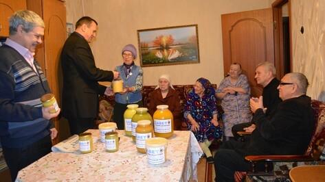 В Нижнедевицком районе прошла благотворительная акция «Социальный мед»