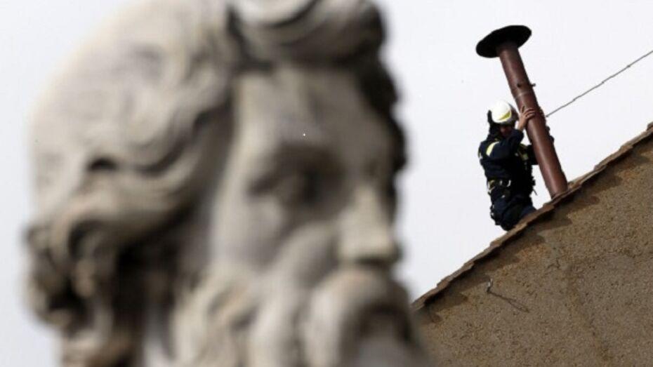 В Ватикане установили «дымоход избрания»