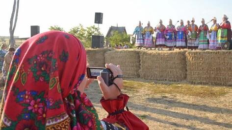 Бутурлиновские артисты приняли участие в фестивале «Русь песенная - Русь мастеровая»