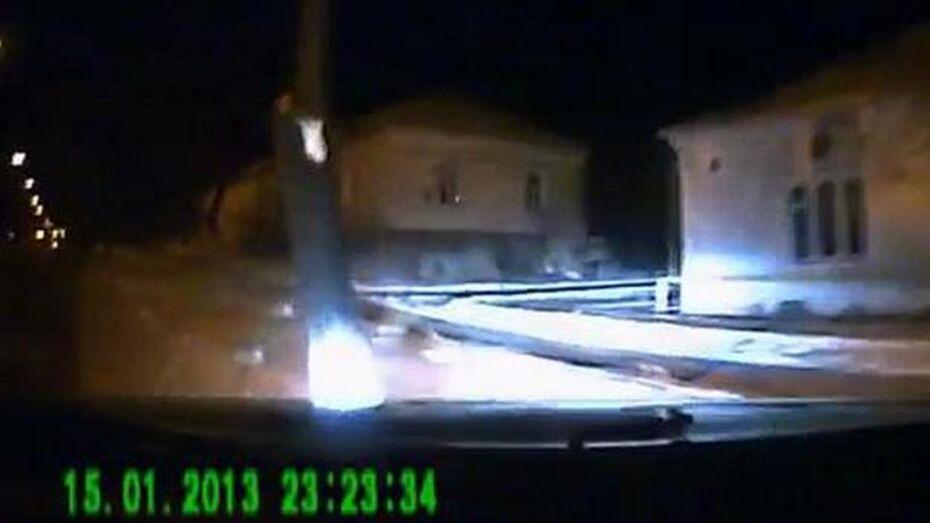 В сети появилось видео автомобильной аварии в Лисках (18+)