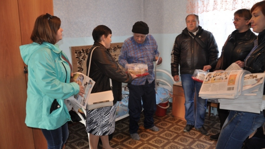 Павловские журналисты провели акцию «Поделись душевным теплом» в День пожилых людей