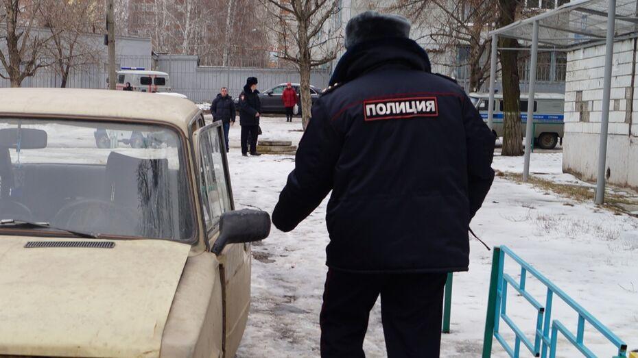 Полицейский догнал машину с пьяными родителями и ребенком в Воронежской области