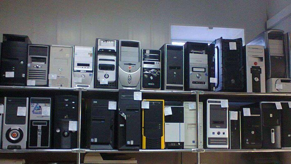 Полиция нашла компьютеры с пиратским Windows в магазине в Воронежской области