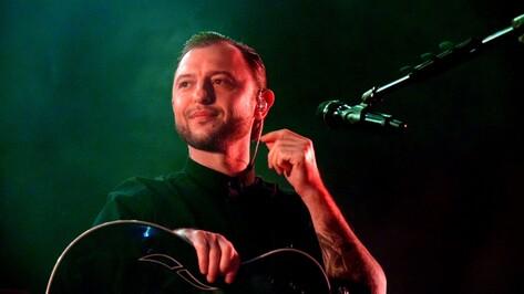 На концерте в Воронеже Рома Зверь пообещал привезти «Друзей по палате» в 2018 году