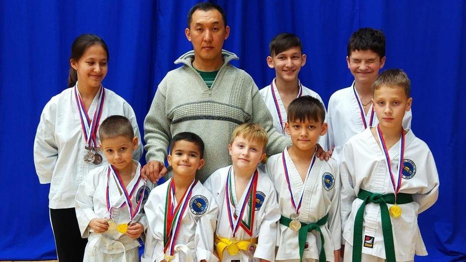 Воронежские тхэквондисты завоевали 12 медалей межрегионального фестиваля