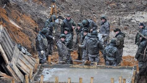 ЧП на стройке в Воронежской области: фура раздавила спасавшего сослуживца солдата