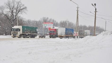 На трассе М4 в Воронежской области из-за пробки срежут разделительное ограждение