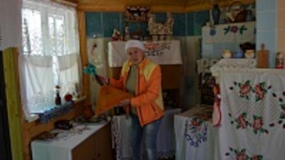 Россошанка открыла музей старины на своем подворье