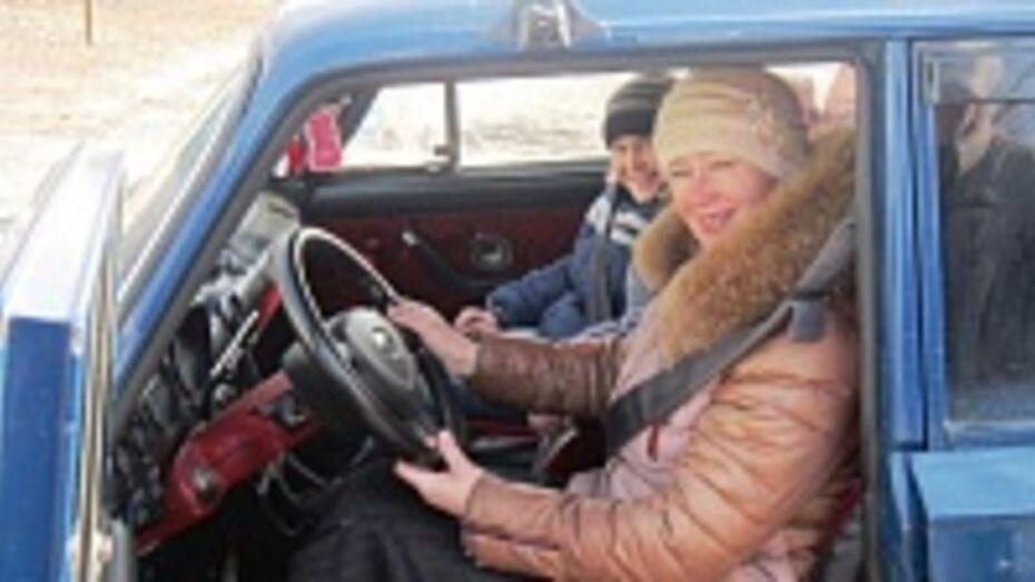 В Павловском районе бабушка-водитель помогла внуку победить в районном конкурсе