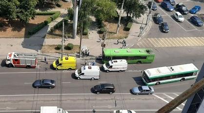 ГИБДД: водитель врезавшегося в столб автобуса в Воронеже почувствовал себя плохо
