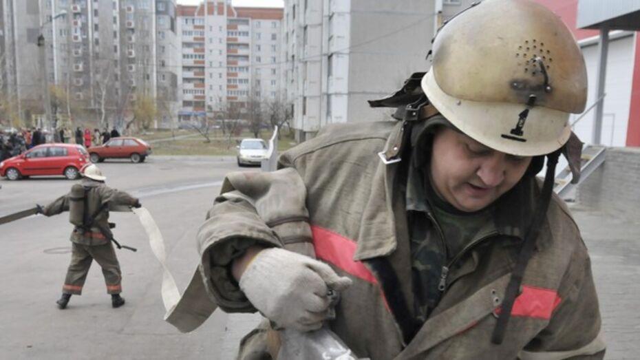 В Воронеже сгорел автомобиль ЧОПа