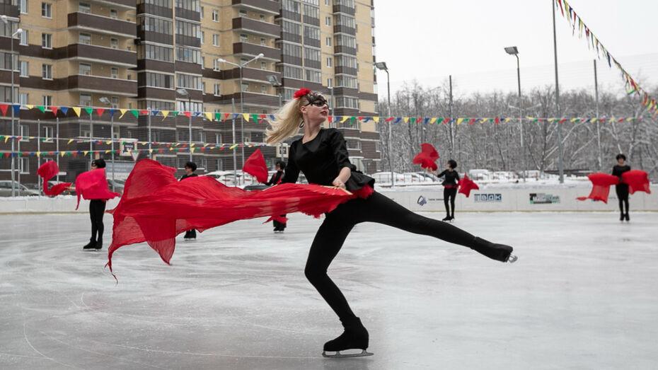 В Воронеже в микрорайоне Жилой массив Олимпийский открылась ледовая арена