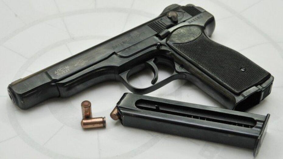 Полицейские задержали воронежца за незаконное хранение оружия