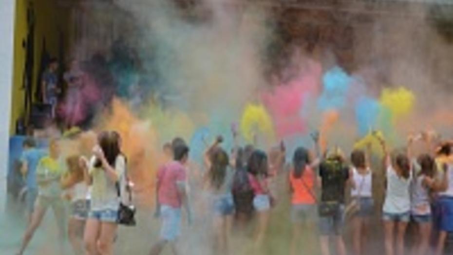 Фестиваль красок Холи впервые прошел в Россоши