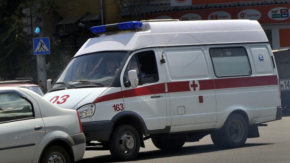 В массовом ДТП под Воронежем пострадала 22-летняя девушка