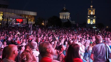 Мэр Воронежа заявил о недостаточном количестве охраны на открытии Советской площади
