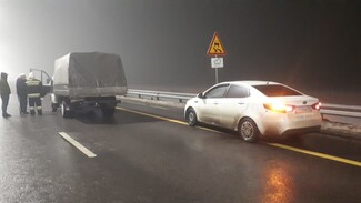 Массовое ДТП с пожаром случилось на трассе в Воронежской области