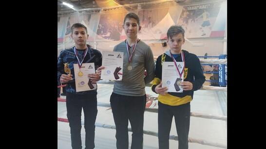 Каменский спортсмен выиграл «золото» областного фестиваля по кикбоксингу