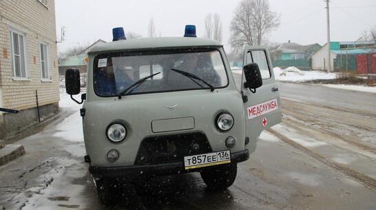 Подгоренская районная больница получила новый автомобиль скорой помощи