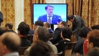 На пресс-конференцию врио губернатора Воронежской области Алексея Гордеева пришло более тысячи вопросов