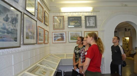Выставка бутурлиновского художника Михаила Химичева открылась в Павловске