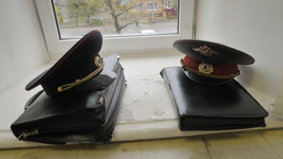 В Воронежской области полицейский избил подчиненного до сотрясения мозга и перелома челюсти