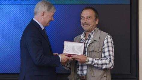 Двадцать семь жителей Воронежской области получили госнаграды