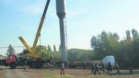 В Таловском районе установили новую водонапорную башню