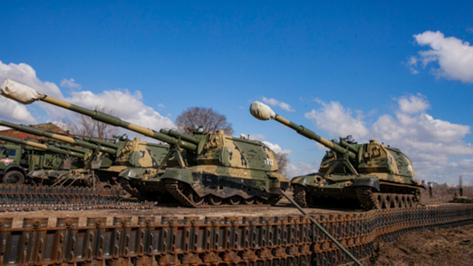 В Воронеже прошла первая тренировка механизированной колонны перед парадом Победы