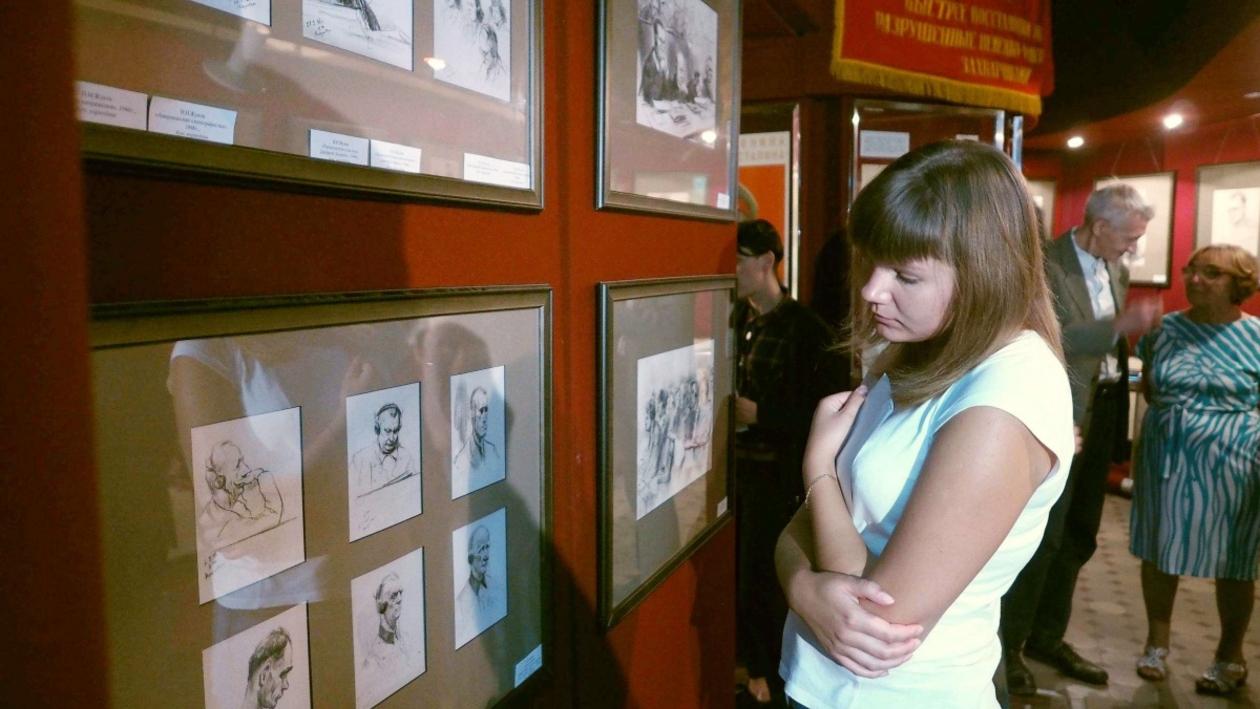 Воронежский музей выставил документальные рисунки Нюрнбергского процесса
