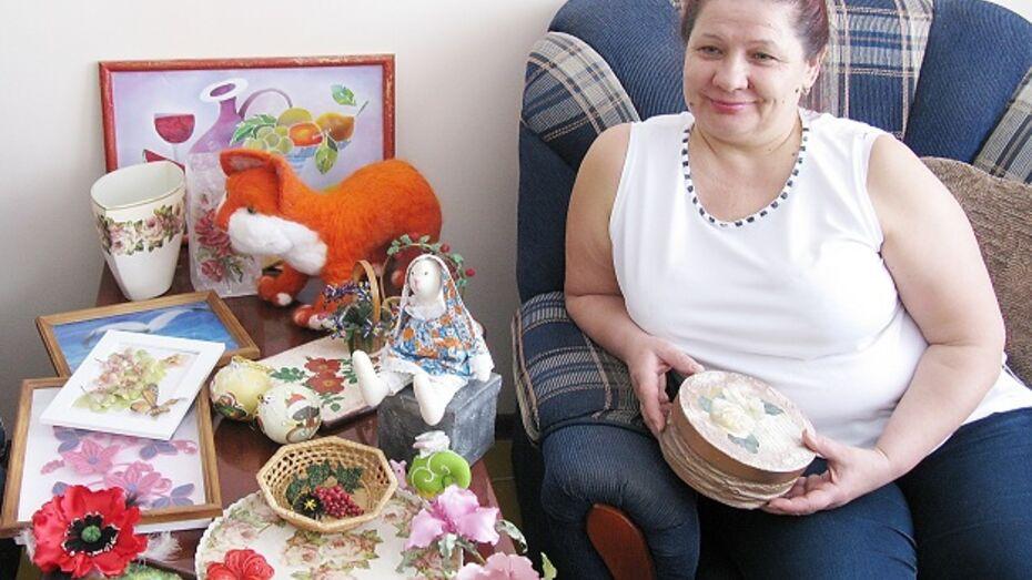 Жительница Терновского района обучает детей квиллингу и разводит баранов