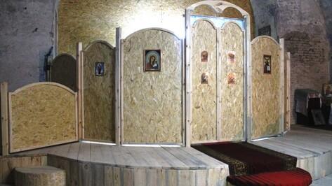 Петропавловские умельцы сделали алтарь по собственному проекту