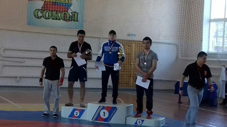 Репьевский борец завоевал «золото» всероссийского турнира в Липецке