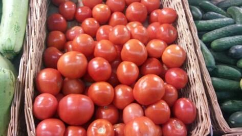 Под Воронежем раздавили более 300 кг турецких помидоров