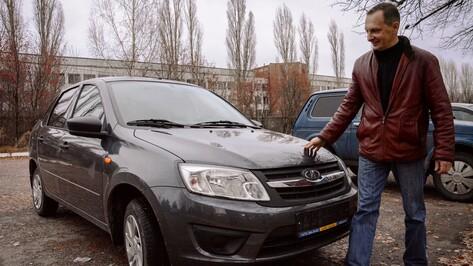 Острогожский механизатор получил автомобиль в награду за ударную работу