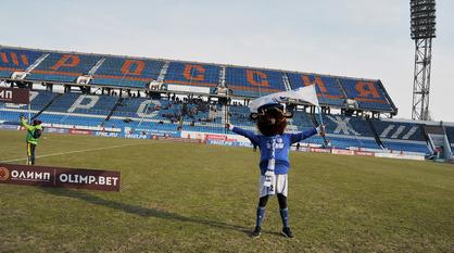 Воронежский «Факел» продлил договор с владельцами профсоюзного стадиона